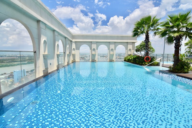 1006_CBD Family 3BR ICON56 *FREE Rftop Pool & Gym, holiday rental in Ho Chi Minh City