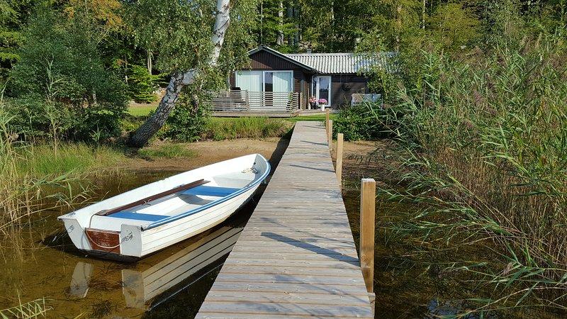 Sommarstuga vid Ivösjöns strand, location de vacances à Sölvesborg