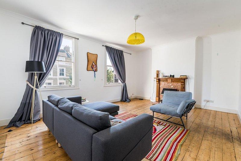NEW Fantastic 2Bedroom House Urban Living Sydenham, holiday rental in Sidcup