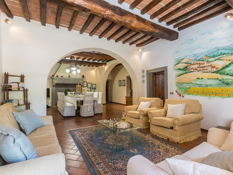 Bagno a Ripoli Villa Sleeps 12 with Pool Air Con and WiFi - 5811107, vacation rental in Le Ville