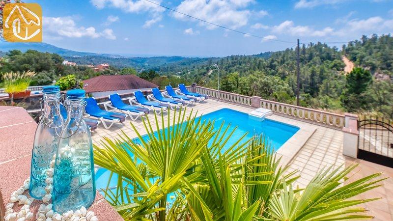 Lloret de Mar Villa Sleeps 8 with Pool and WiFi - 5245391, location de vacances à Mont Barbat