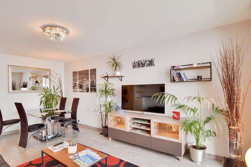 LE LOUNGE - Apt 2 chambres avec Parking, casa vacanza a Bruz