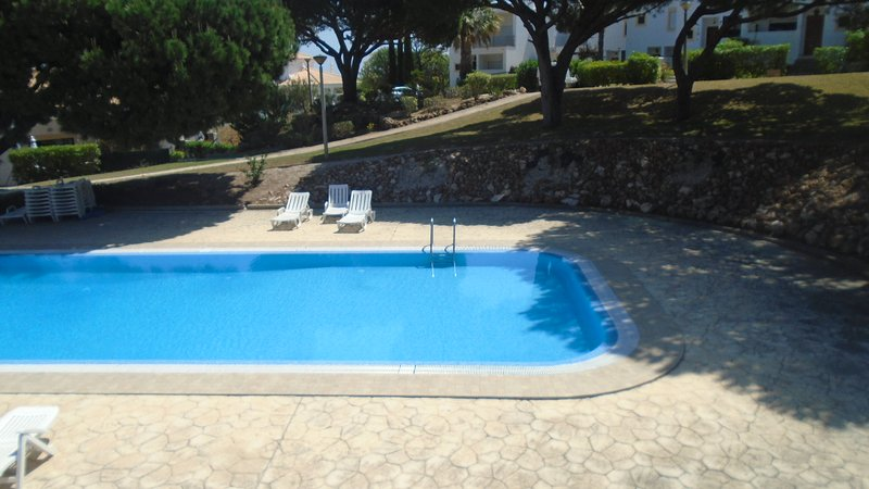 Amazing house with shared pool – semesterbostad i Branqueira