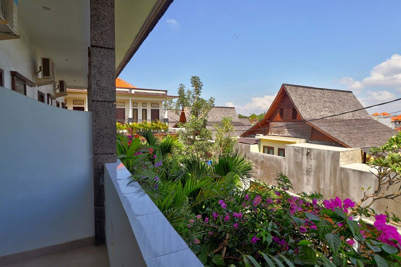 Rise Apartment No. 8, Sanur with Pool, holiday rental in Sanur