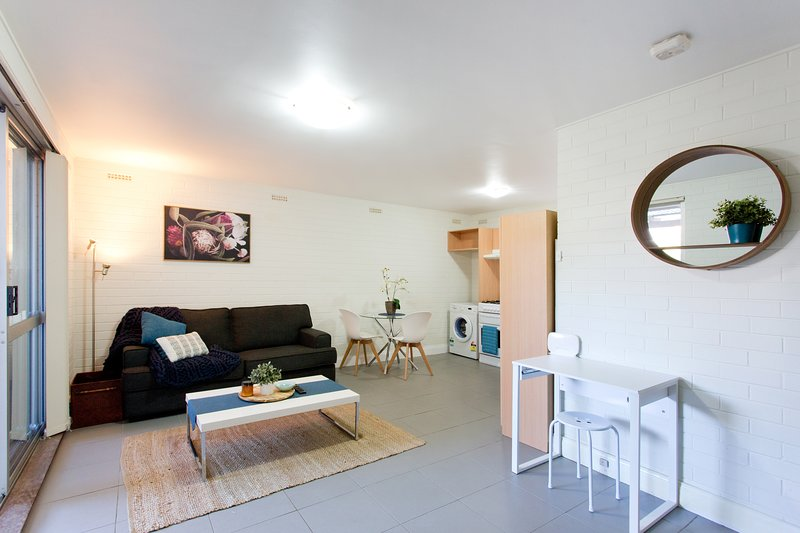 Hensman  Delightful free wifi, holiday rental in Tuart Hill