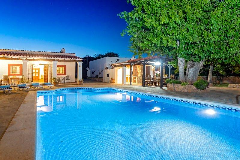 Villa near Ibiza Town, sleeps 10 - Can Musson, holiday rental in Santa Eulalia del Río