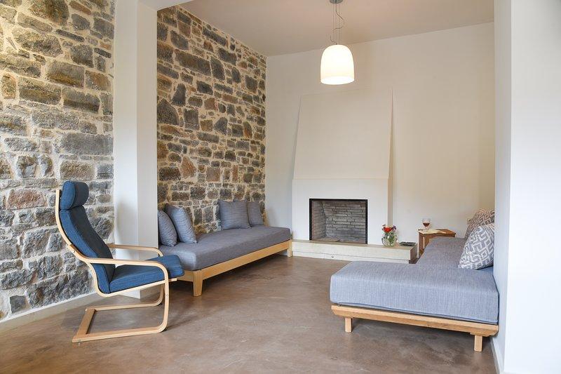 Lux Me Villa, location de vacances à Fourni