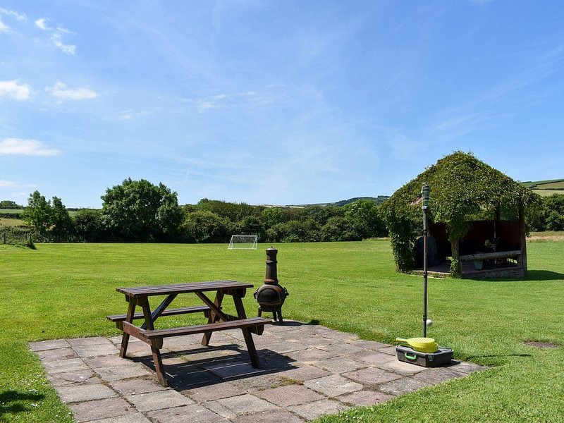 Meadows Edge - UK30951, holiday rental in Goonhavern