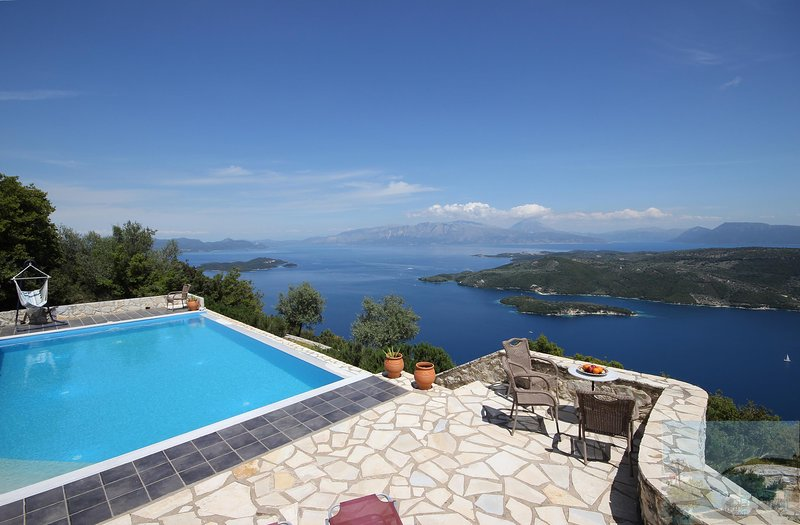 Lefkada Villa Panorama. Exceptional sea views - Infinity pool - air con., vacation rental in Fterno