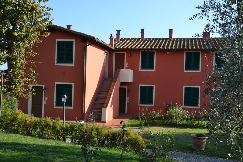 Appartamento GIAGGIOLO - Agriturismo Corte in Poggio, vakantiewoning in Cerreto Guidi