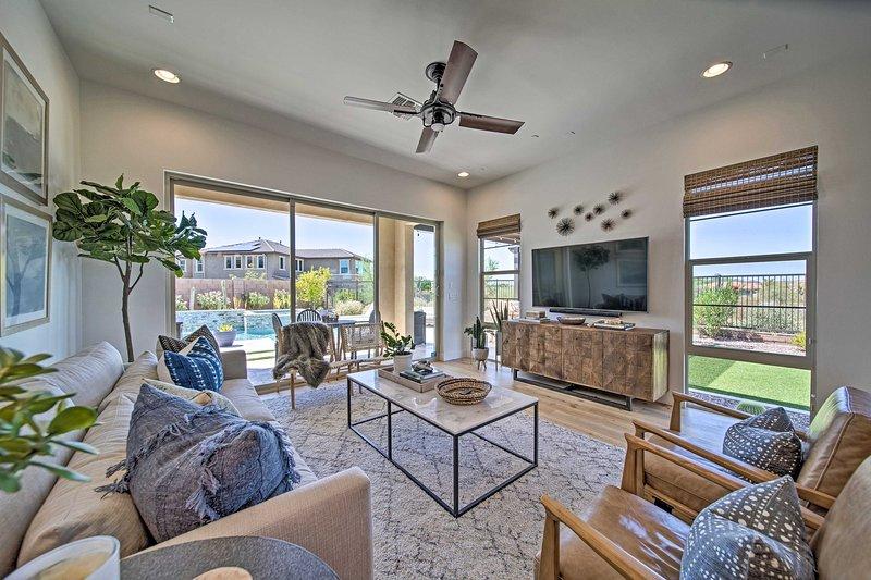 Réservez votre séjour dans cette maison meublée avec goût de 3 chambres à coucher et 2 salles de bains à Peoria!