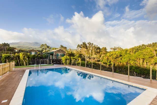 Amazing property with shared pool, location de vacances à Velas