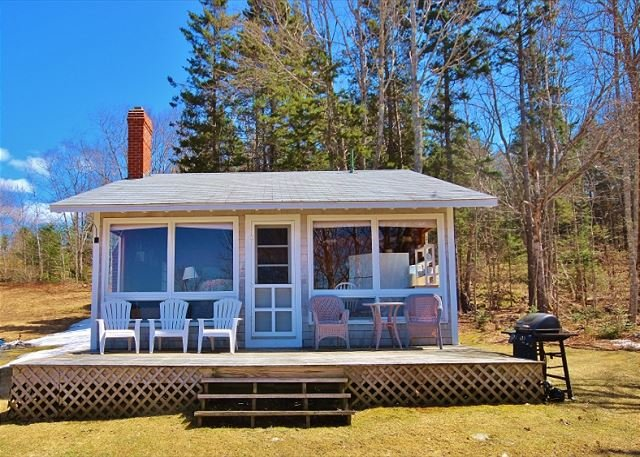 Waterview cottage with rustic simplicity and charm, holiday rental in Spruce Head