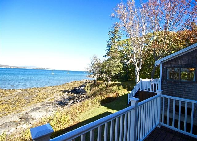 Gorgeous, open concept house with unparalleled views and water access, vacation rental in South Thomaston