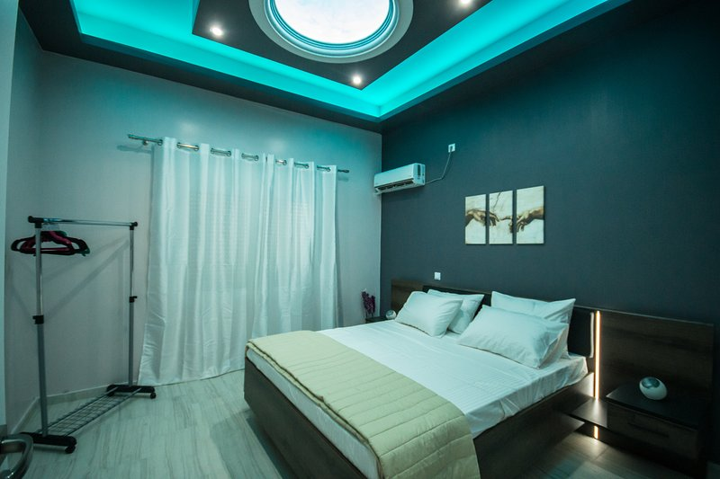 Areti Apartment Close To Akropolis, holiday rental in Agios Dimitrios