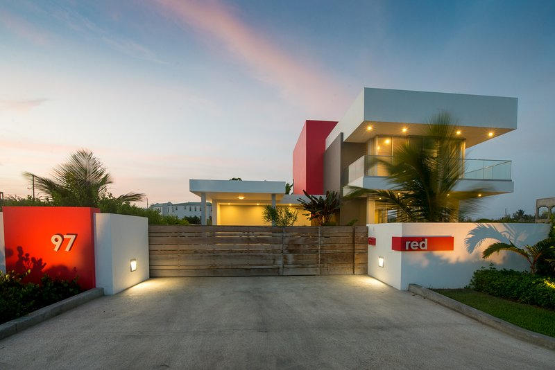 RED , Inch Marlow - beachside luxury, bliss, tranquility and peace. – semesterbostad i Inch Marlow