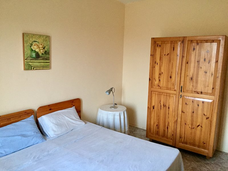 Quiet apartment with countryside views, vacation rental in Kercem