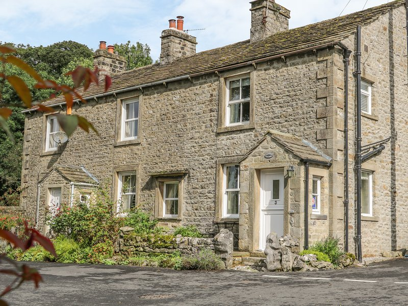 LAVENDER COTTAGE, stone-built, woodburner, WiFi, walks from the door, in, alquiler vacacional en Hetton
