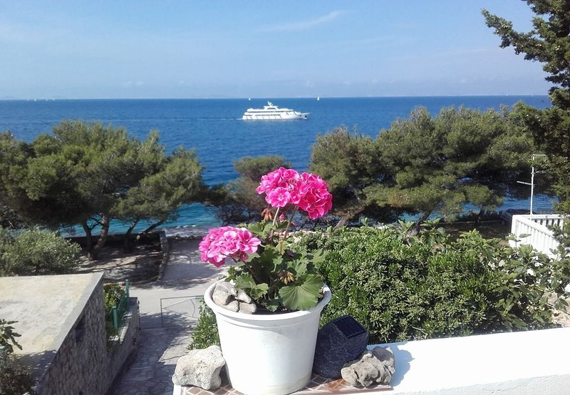 Murter Apartment Sleeps 6 - 5792267, vacation rental in Betina