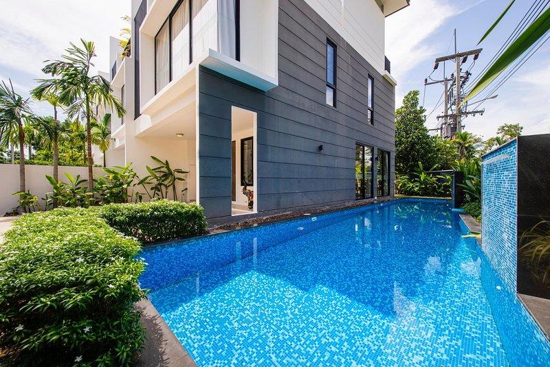 3 BDR Laguna Park Phuket Holiday Home, Nr. 8, casa vacanza a Si Sunthon