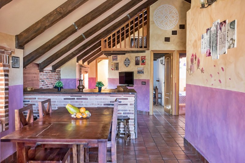 Casa Madera 10 personas, vacation rental in Valdemorillo