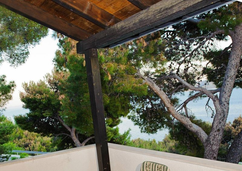 Medici Apartment Sleeps 6 with Air Con - 5812293, vacation rental in Medici