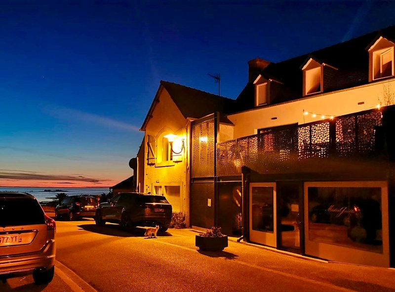Amazing house with sea view & Wifi, alquiler vacacional en Locquirec