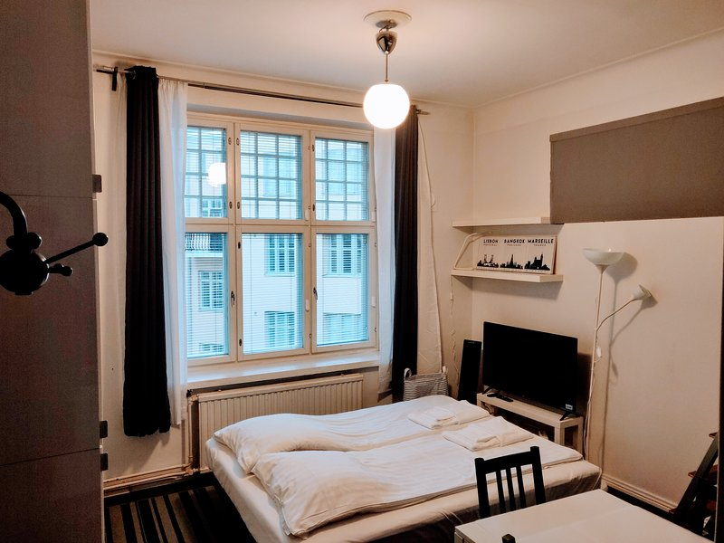 Helsinki city centre classic studio + loft, holiday rental in Western Finland