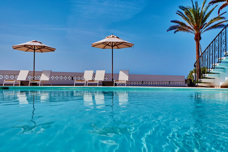 Jungle Suite, 1a linea del mar, gran terraza y preciosas vistas San Agustín, vacation rental in Maspalomas