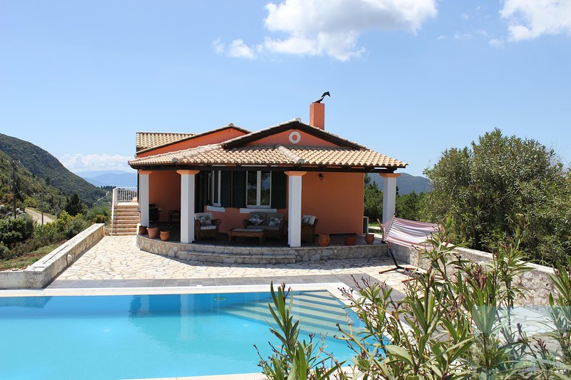 Sunrise House. Lefkada Villa - exceptional sea views - pool - air conditioning, vacation rental in Fterno