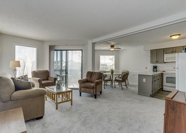 3rd floor golf villa - new flooring & furniture + FREE DAILY ACTIVITIES!, location de vacances à Myrtle Beach Nord