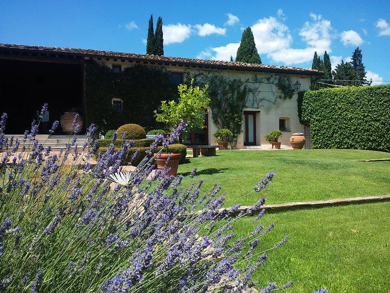 Villa privata con piscina nel cuore del Chianti, vacation rental in Barberino Val d'Elsa