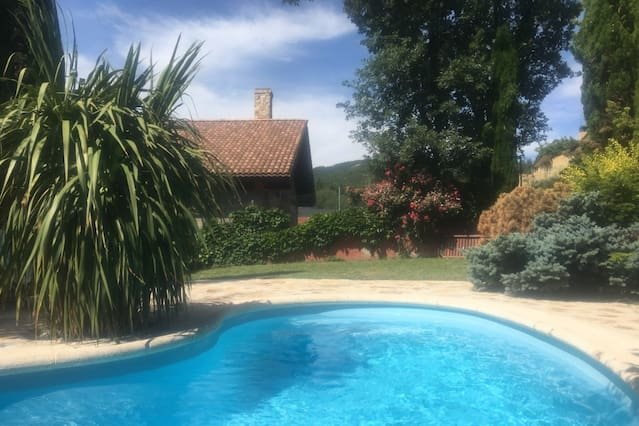 Amazing villa with swimming-pool, vacation rental in Hoyo de Manzanares