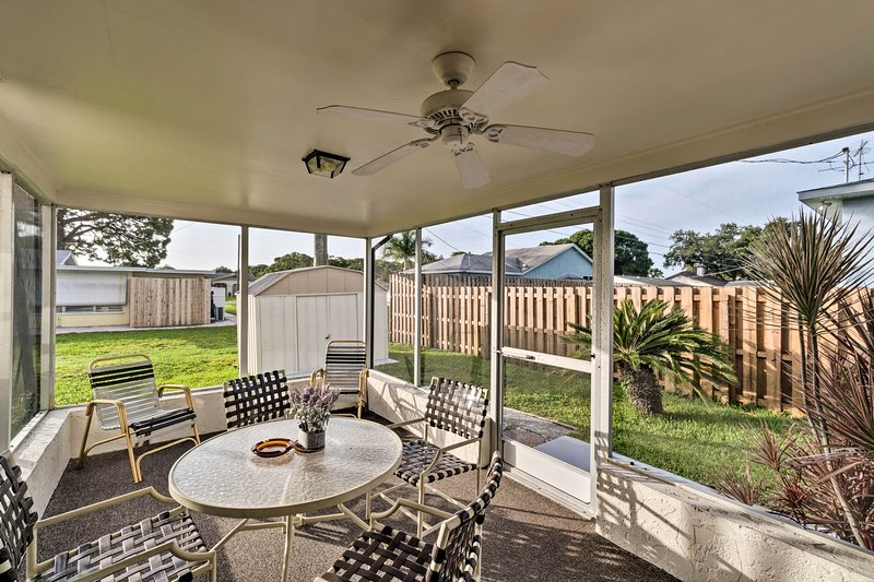 Book your Venice getaway to this comfortably furnished 2-bedroom, 1-bath home!