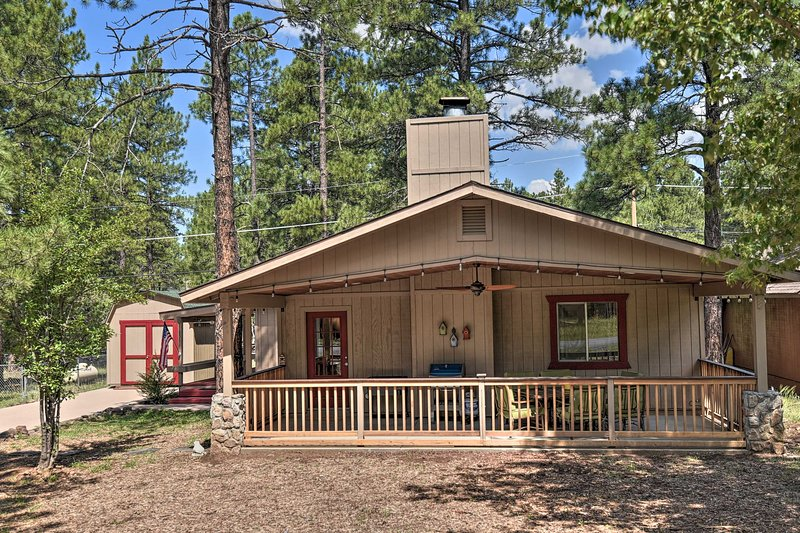 Coconino National Forest Home w/Deck & Yard!, holiday rental in Munds Park