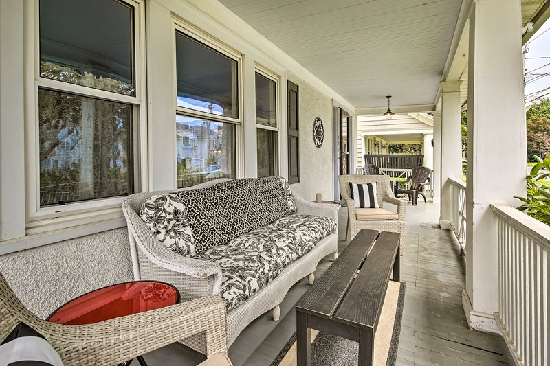 Sip on a refreshing drink on the porch during your stay at this Stratford home!