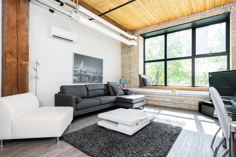 2 Bdr | Conversion Loft | Exchange District, alquiler de vacaciones en Winnipeg