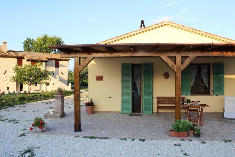 Casale  LE CASE, holiday rental in Madonna della Pia