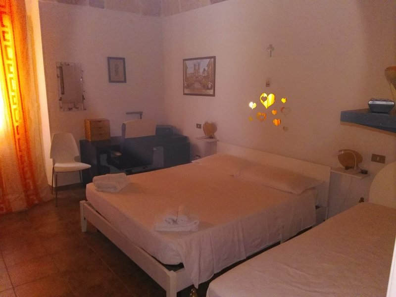 Nice house with terrace & balcony, holiday rental in San Marzano di San Giuseppe