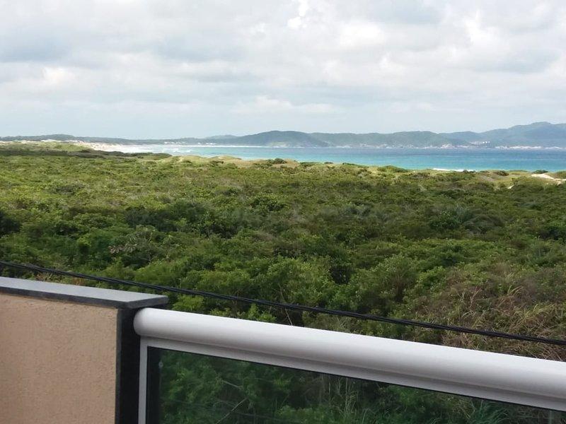 Linda casa em Cabo Frio com vista para o mar, vacation rental in Cabo Frio