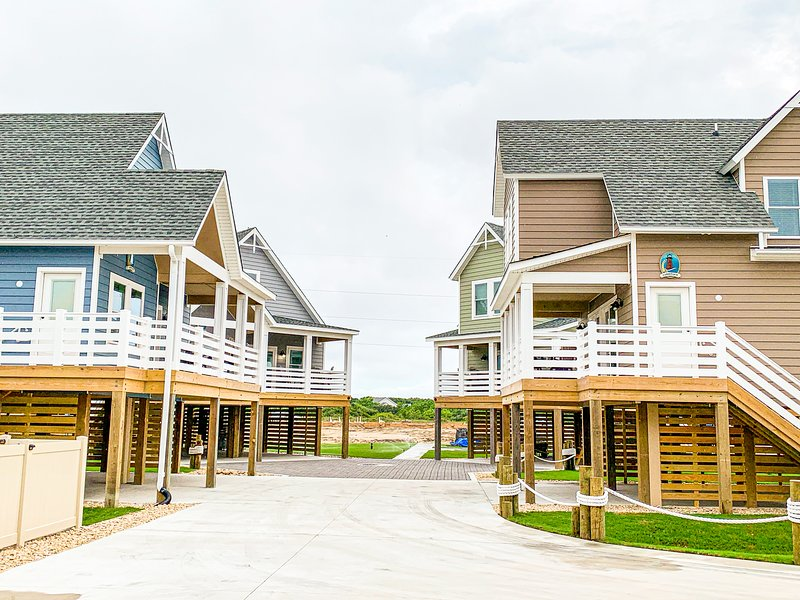 Six individual cottages rented a a unit! Sleeps 54!