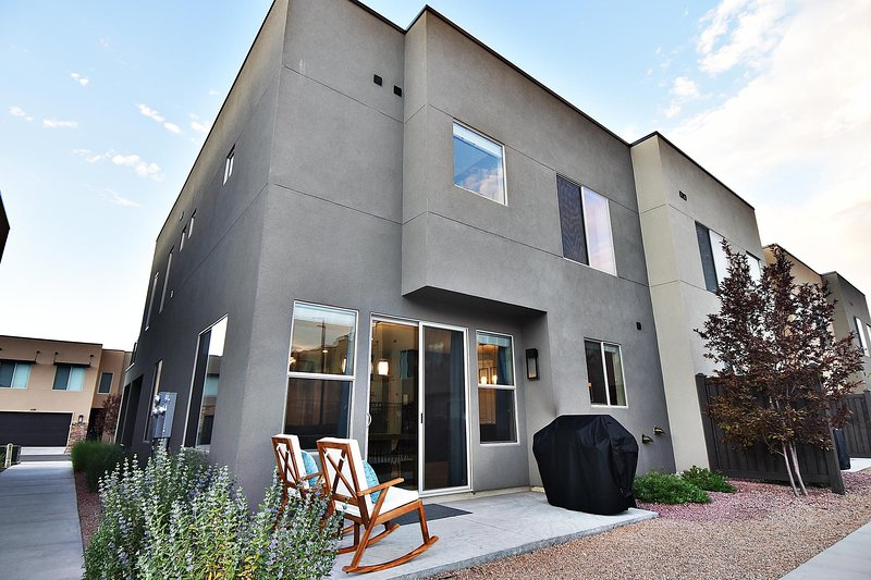 Entrada #623 - Luxury Townhome - located in the heart of Moab!