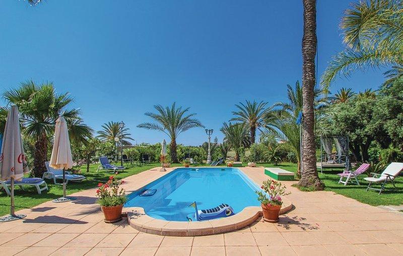 Amazing villa with swimming-pool, holiday rental in La Marina