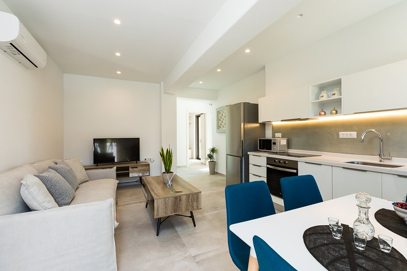 Naiades Apartment- Minthi/ 1 bedroom,beachfront, holiday rental in Mariou