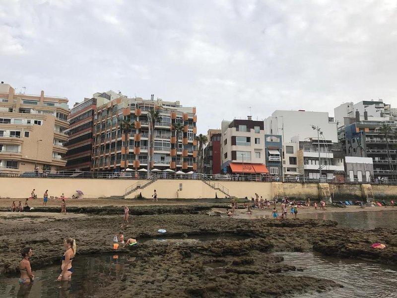 Maravilloso apartamento deluxe en primera linea de la Playa de las Canteras, location de vacances à Las Palmas