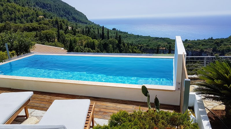 White Villas Lefkada, location de vacances à Agios Nikitas