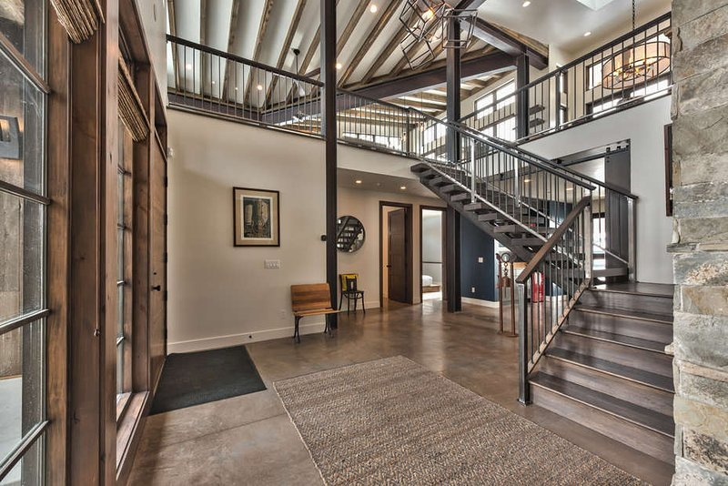 Beautiful Entryway to the home
