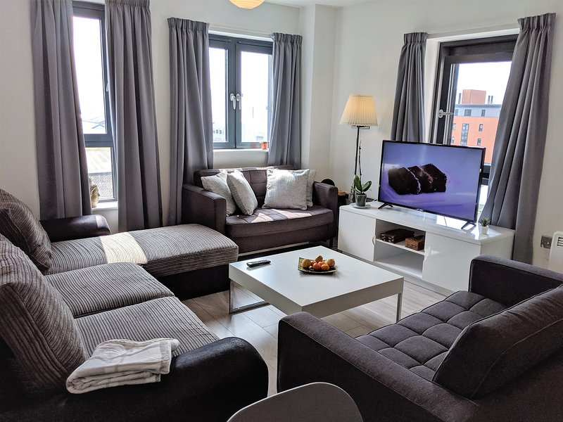 Brewery Village apartment in Baltic Triangle business and leisure area LP center, holiday rental in Heswall