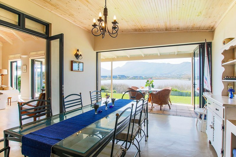 NATURES HAVEN IN SAFE ECO ESTATE WITH PRIVATE POOL & JETTY, location de vacances à Sun Valley