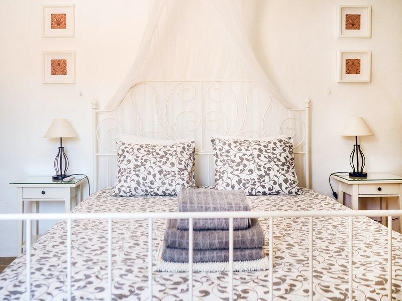 Casa Colina, Bed & Breakfast Comares, Almond Suite – semesterbostad i Comares